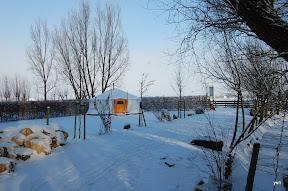 """""""Het kleine Paradijs"""" Yurt in de winter"""