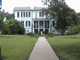 0140Southern_Mansion_-_New_Orleans