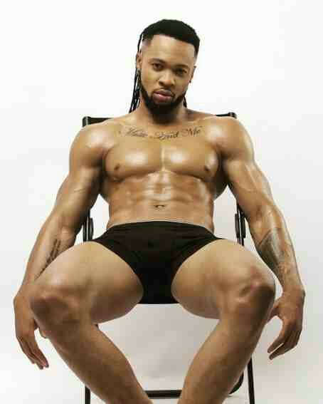 Flavour shares sexy photo in his underwear