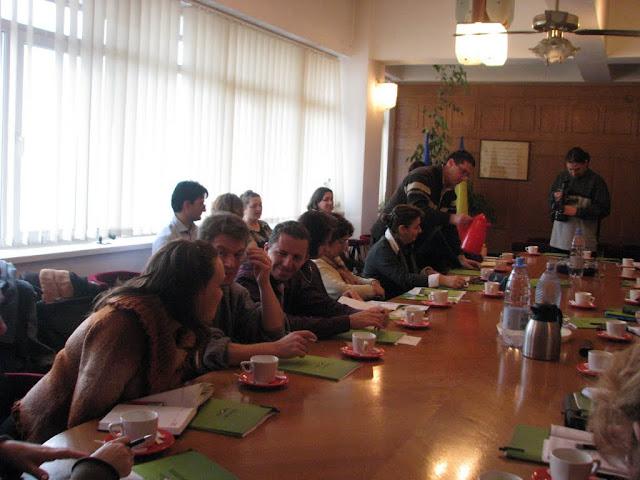 Lansarea manualului de ecologie ECOROM - proiect educational - noiembrie 2009 - IMG_2961.jpg