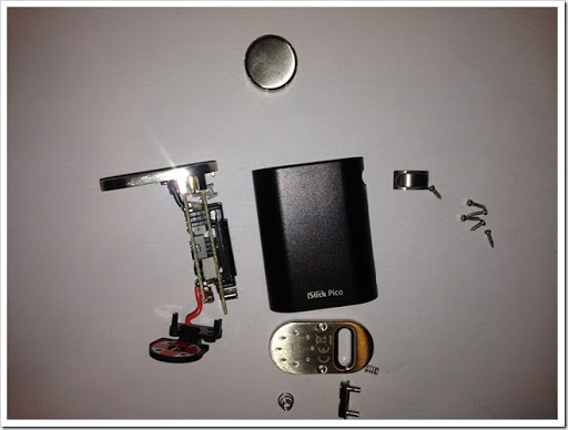 wN437Ot thumb%25255B5%25255D - 【MOD】Eleaf iStick Picoの分解画像【やっぱり小さい!】
