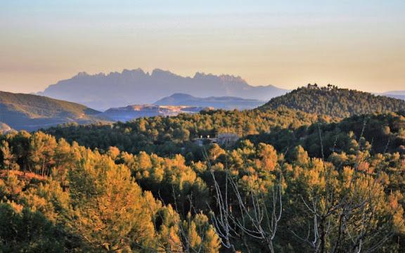 Vista Montserrat des de La Garriga.jpg