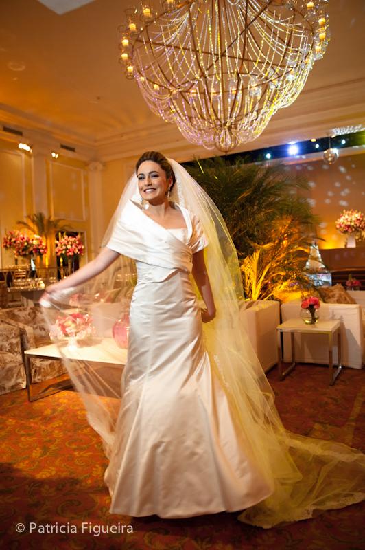Foto de casamento 0426 de Sunny e Richard. Marcações: 18/06/2011, Carol Hungria Vestido, Casamento Sunny e Richard, Fotos de Vestido, Rio de Janeiro, Vestido, Vestido de Noiva.