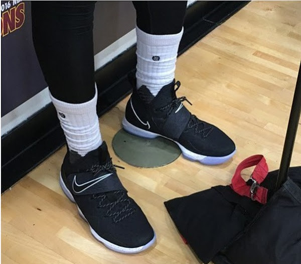 King James Wears New Nike LeBron XIV 14 in Practice