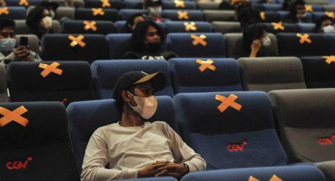 Pasien Covid Indonesia tembus sejuta, Rencana Ngapel di Bioskop pun tertunda