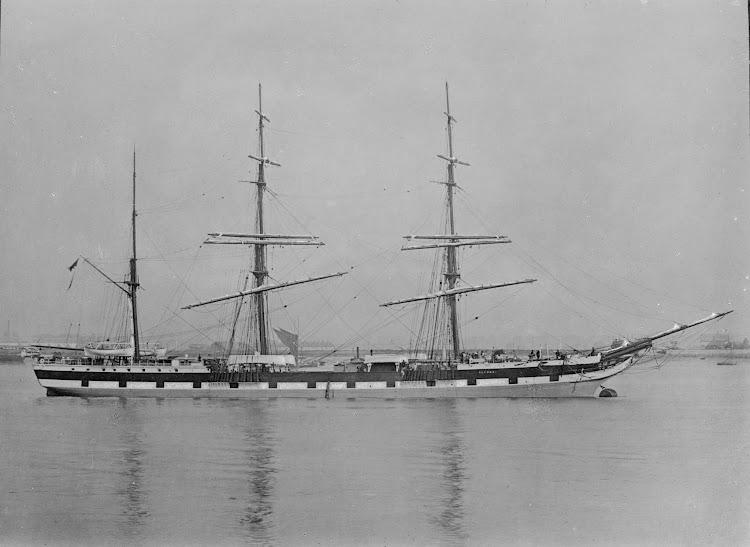 El ELLORA como velero puro. Allan C. Green collection of glass negatives.Foto State Library of Victoria. De la web Trove.jpg