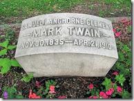 Mark Twain's grave headstone
