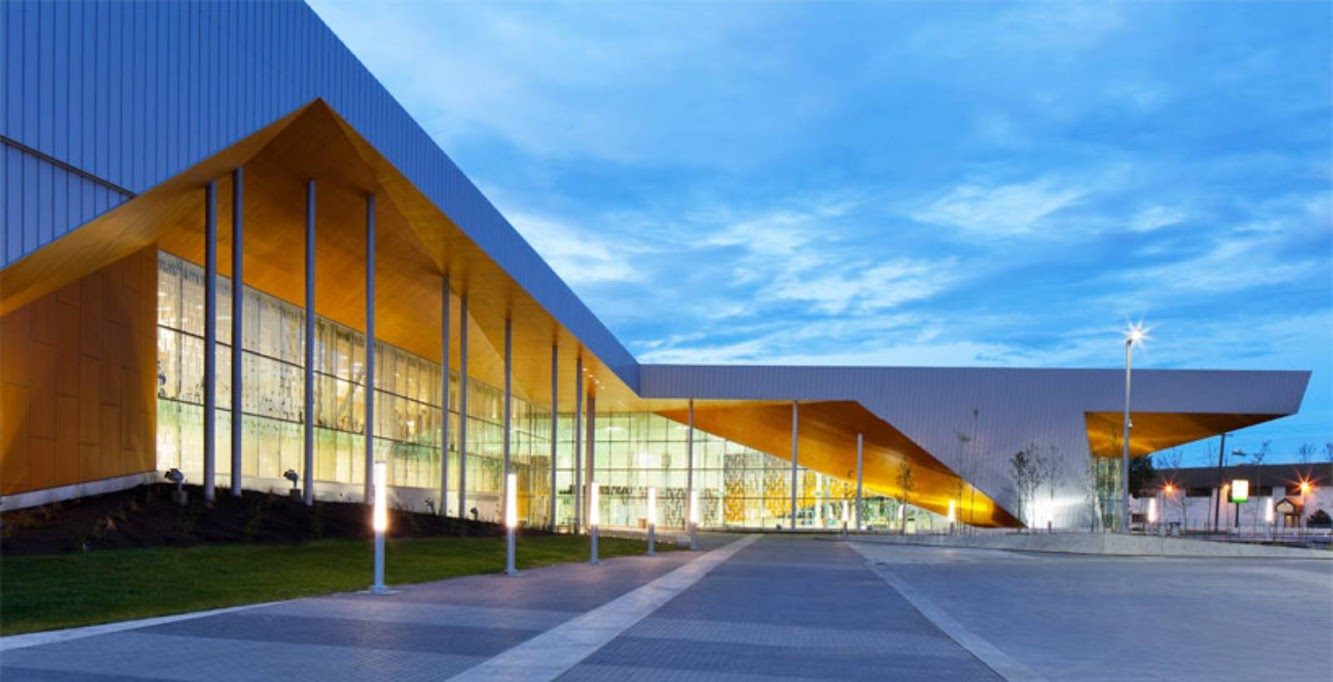 Edmonton, Alberta, Canada: Commonwealth Community Recreation Center by Mjma