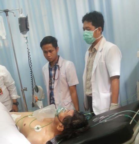 Pria Tak Di Kenal Tusuk Menteri Wiranto Dengan Benda Tajam Usai Peresmian Kampus UMA di Alun-Alun Menes Pandeglang