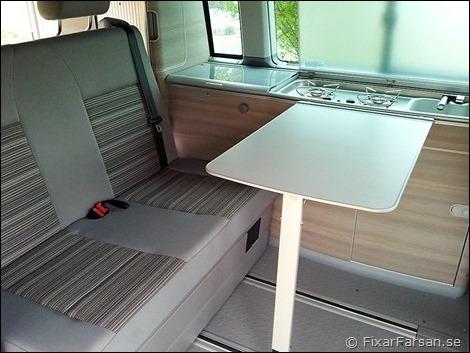 Liten-VW-Husbil-Kök-Kylskåp-Handfat-