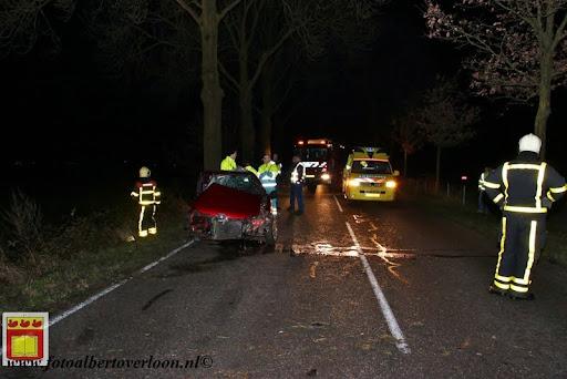 Automobilist gewond bij eenzijdig ongeval op de grens overloon venray 11-12-2012 (17).JPG