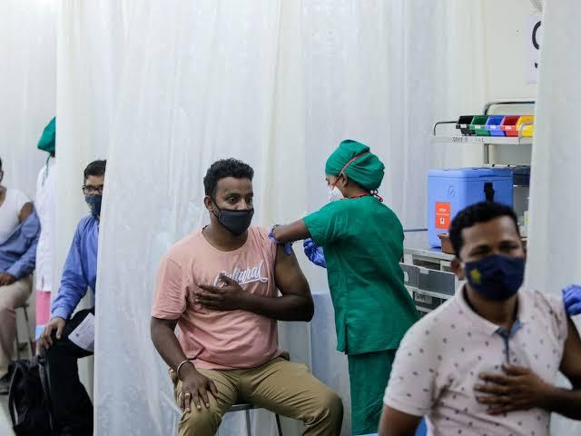 India Dihebohkan Isu Vaksin Covid-19 Bikin Mandul