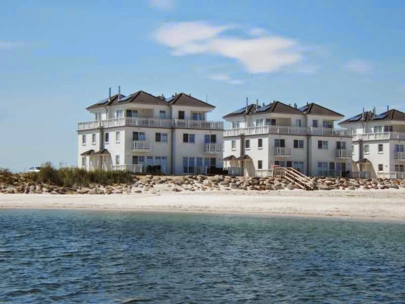 Weiße Strandvilla Strand Hus direkt am Strand im OstseeResort Olpenitz