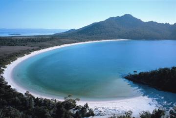 Spectacular Images Of Tasmania Under Threat Image