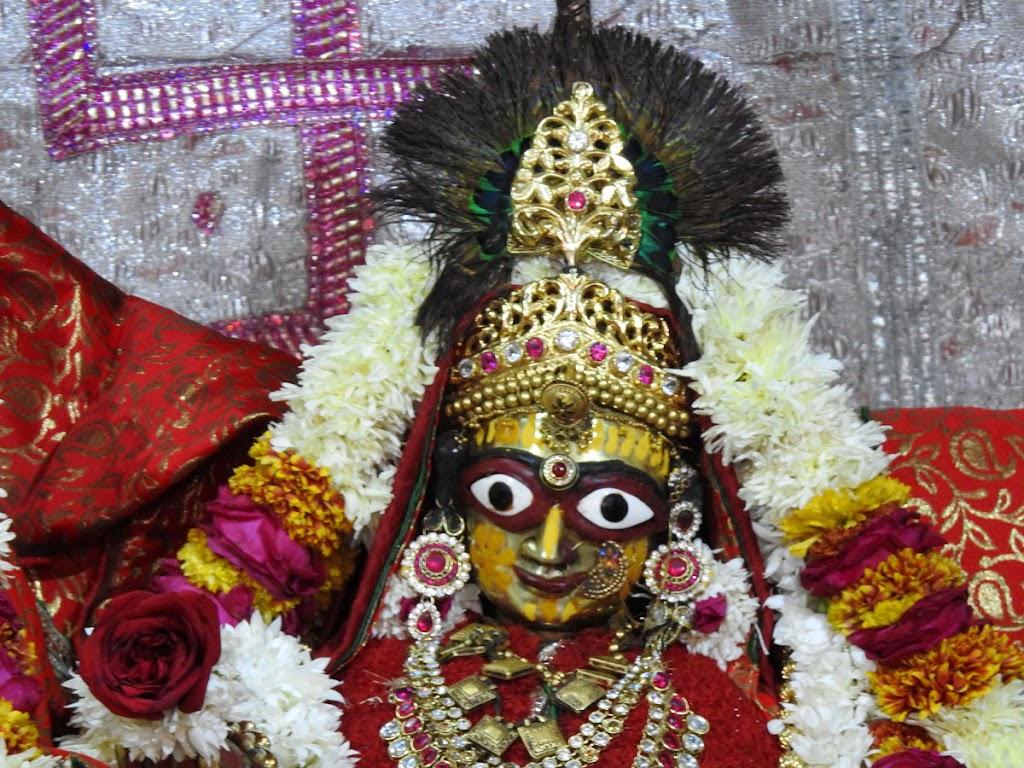 Radha Govind Devji Deity Darshan 04 Jan 2017 (6)
