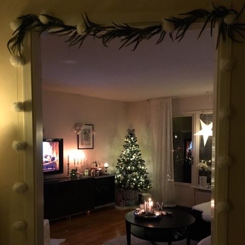 Fias Jul - Let it snow  2 a advent och granen är klädd 74bfd5d6751e7