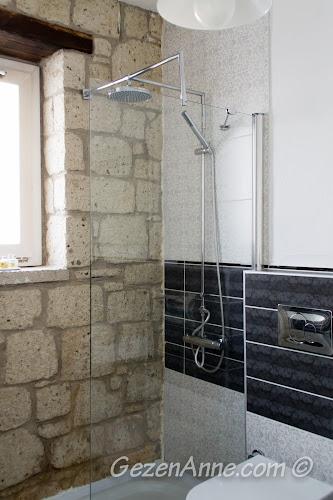 standart oda banyosu, Asma Han otel Alaçatı