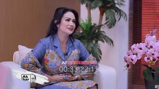 Dipanggil Fraksi PDIP karena Buka Gaji Anggota DPR, Krisdayanti Umbar Senyum