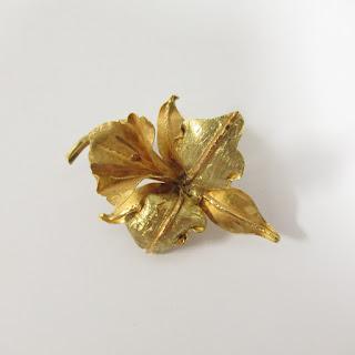 10K Gold Floral Brooch