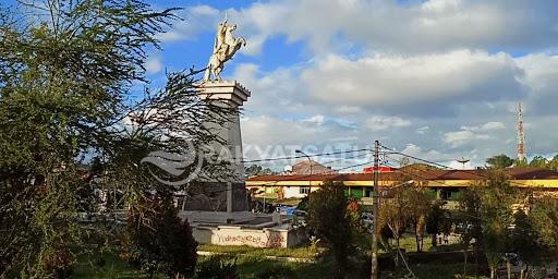 Patung Pahlawan Pongtiku di Art Center Rantepao, Jadi Sasaran Coretan