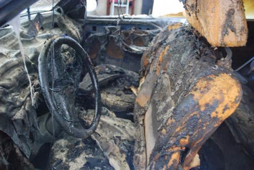 Homem foi preso após atear fogo no carro de ex-namorada.