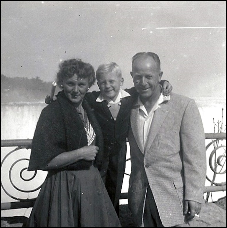 HALL_Ron with his parents_NiagraFalls_1955_cropped