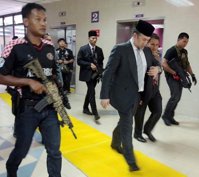 Kawalan Ketat Iringi Sultan Kelantan Ke HUSM