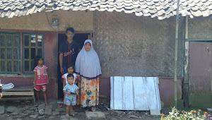 Perlu Dibantu, Kondisi Rumah Keluarga Pemulung Nyaris Roboh