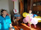 С бабушкой Леной и охапкой шариков :)