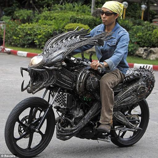 Motor Alien Dari Bangkok