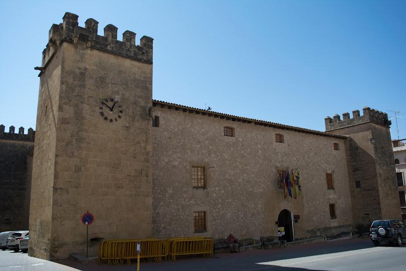 Palacio Fortaleza del Marqués de dos Aguas en Onil, Alicante