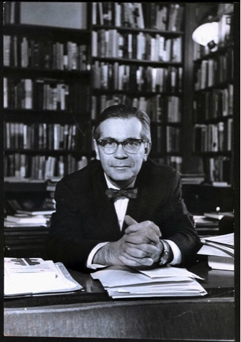 richard hofstadter the american political tradition thesis Share richard hofstadter was dewitt clinton professor of american history at columbia university his book anti-intellectualism in american life was awarded the pulitzer prize for general nonfiction in 1964 this essay was adapted from the herbert spencer lecture, delivered at oxford university in november 1963.