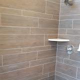 Bathrooms - 20150825_114925.jpg