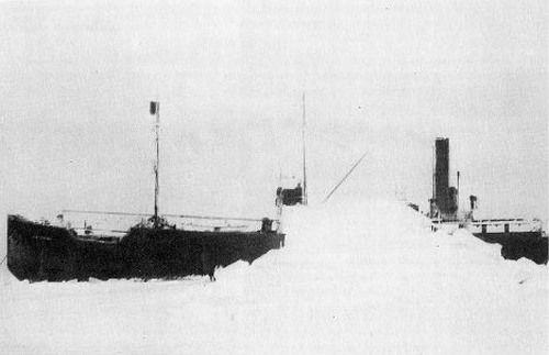 Không chỉ một mà tàu Baychimo chuyên chở lông thú đã từng hai lần mắc kẹt ở tảng băng nổi trong năm 1931.