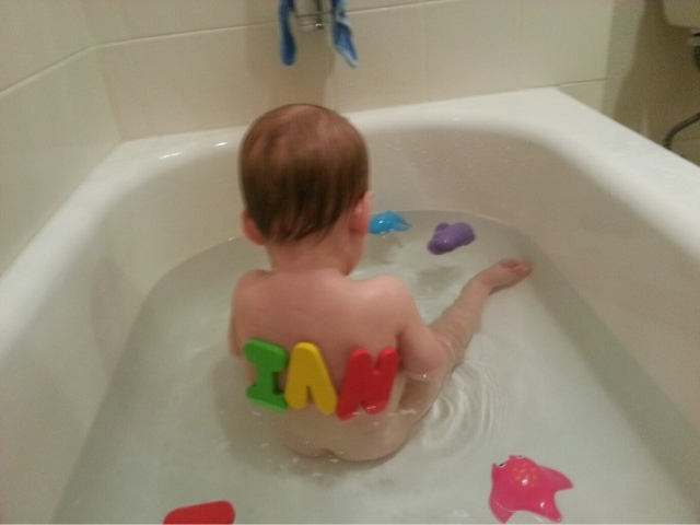 mile high mcg family: Dad does bath time