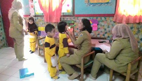 Puskesmas Kelurahan Srengseng Adakan Pemeriksaan Kesehatan di TK Bina Insan Mandiri