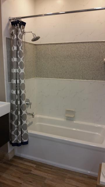 Bathrooms - 20151027_123122.jpg