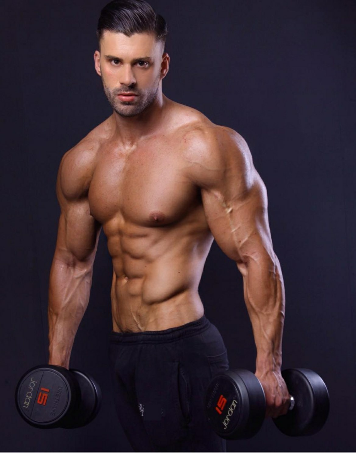 Fitness Models On Instagram Overtaking Celebrities As Role: BUILD BODY WORKS: Fitness Model Liam Jolley