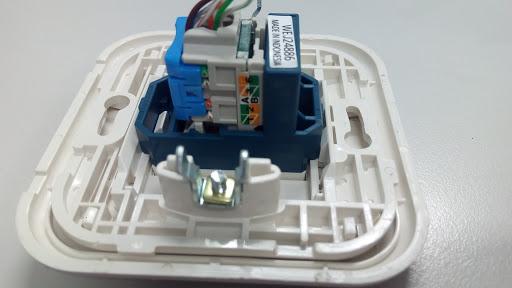 cara koneksi kabel rj 45 ke outlet data panasonic