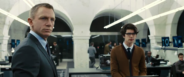 Screen Shot Of Hollywood Movie Skyfall (2012) In Hindi English Full Movie Free Download And Watch Online at Alldownloads4u.Com