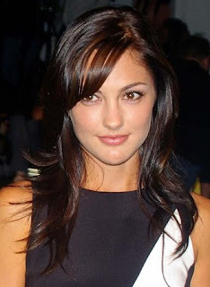 Medium Length Layered Hairstyle Pictures - Celebrity Hairstyle Ideas