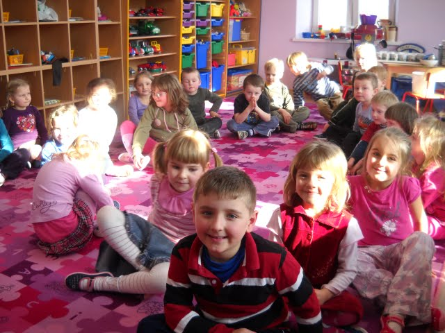 Czytanie w przedszkolu - DSCN1102.jpg