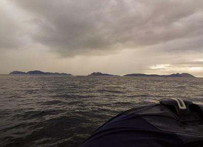 Vista das Illas Cíes dende a Ría de Vigo, o tempo a primeira hora non parecía acompañar demasiado.