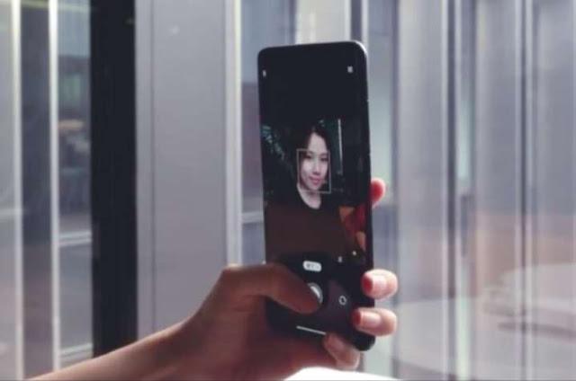 Xiaomi Kamera Selfie di Dalam Layar