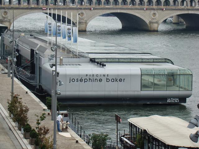 Piscina Josephine Baker, Pasarela Simone de Beauvoir, Sena, París, Elisa N, Blog de Viajes, Lifestyle, Travel