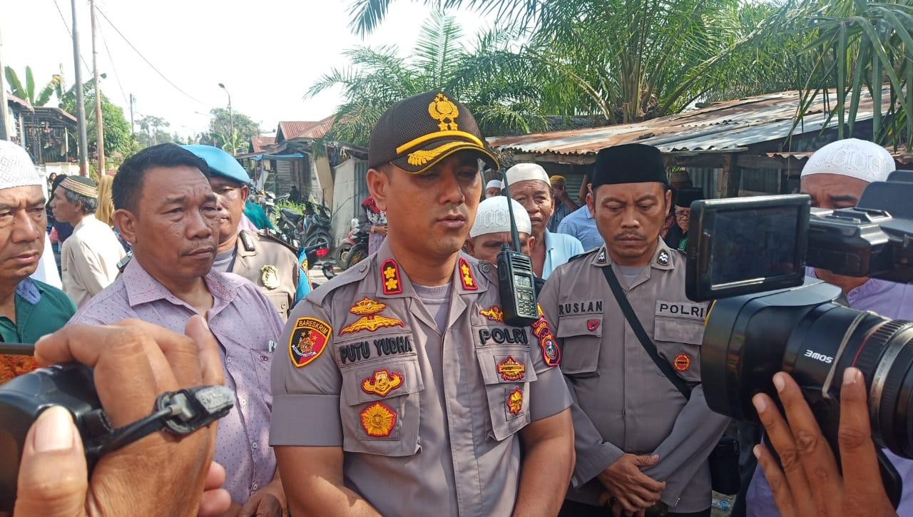 Kapolres Tanjung Balai Layat ke Rumah Duka Ananda Nadia Korban Penganiayaan