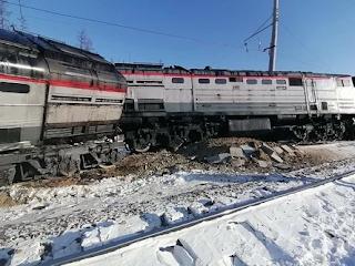 Разъезд 2107 км с рельсов сошёл тепловоз грузового поезда