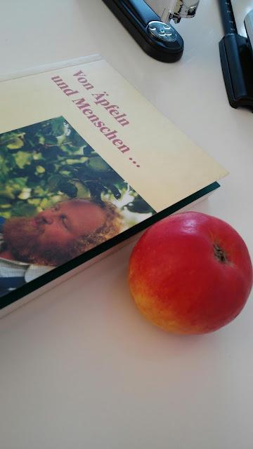 Apfel Buch