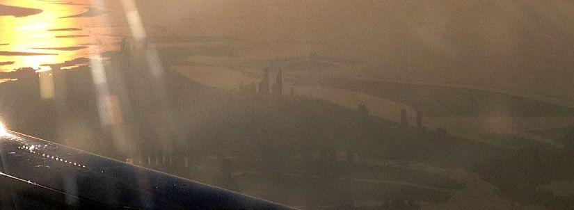 Luftbild Abu Dhabi aus einem Flugzeug der Kuwait Airways