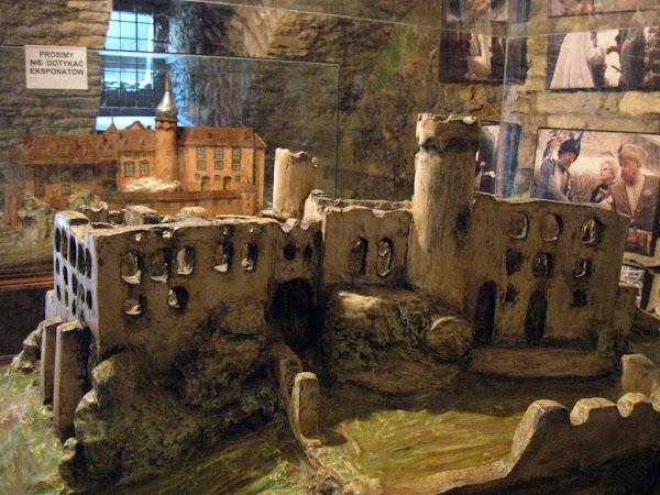 zamek ogrodzieniec - makieta w muzeum zamkowym